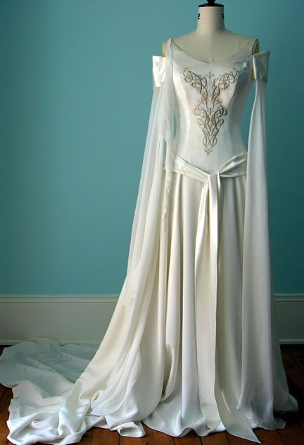 Consider Medieval Wedding Dresses For Your Ceremony – Bridal Spot